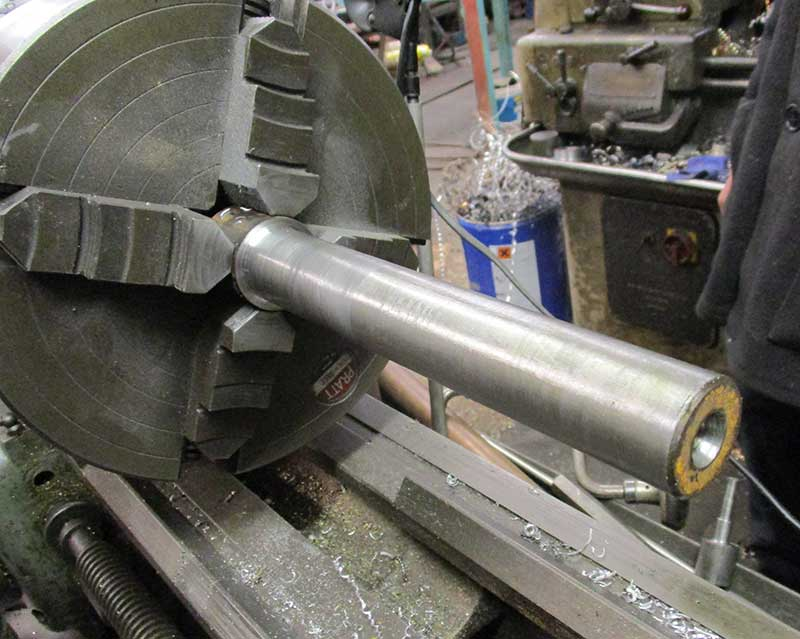 Mandrel in four jaw chuck